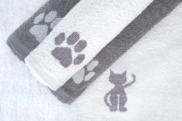 ručník s výšivkou